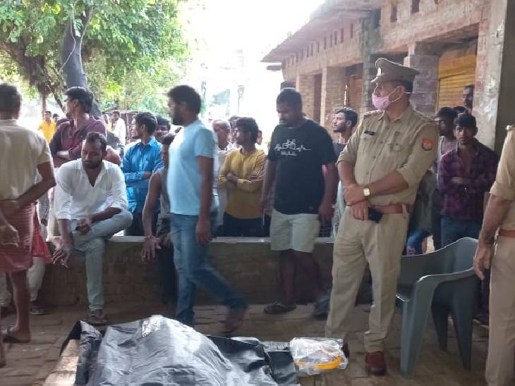 रात को पति से हुई कहासुनी, सुबह फंदे से लटकती मिली पत्नी, दहेज उत्पीड़न का मुकदमा दर्ज|रायबरेली,Raibareli - Dainik Bhaskar