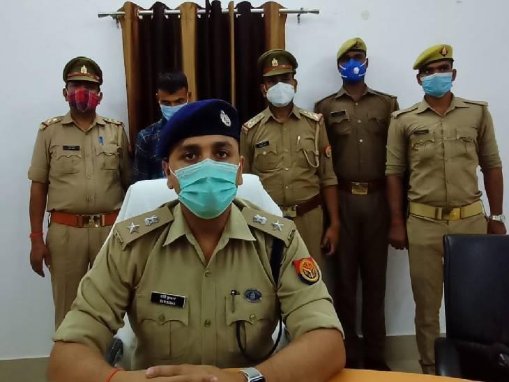 पुलिस ने घटना में प्रयोग होने वाली गाड़ी भी बरामद की, आरोपी पर था 25 हजार का इनाम जालौन,Jalaun - Dainik Bhaskar
