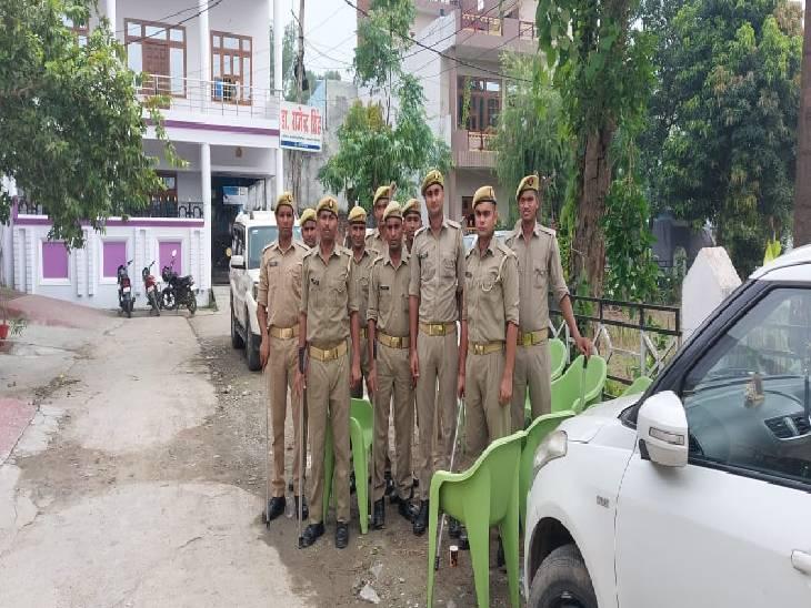 पीलीभीत में विधायक घरों में हुए कैद, आवास और कार्यालय के बाहर भारी पुलिस फोर्स तैनात|पीलीभीत,Pilibheet - Dainik Bhaskar