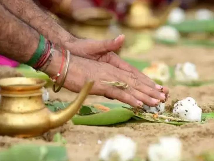 अश्विन महीने की अमावस्या 6 अक्टूबर को, इस दिन किए गए श्राद्ध और दान से तृप्त होते हैं पितृ|धर्म,Dharm - Dainik Bhaskar