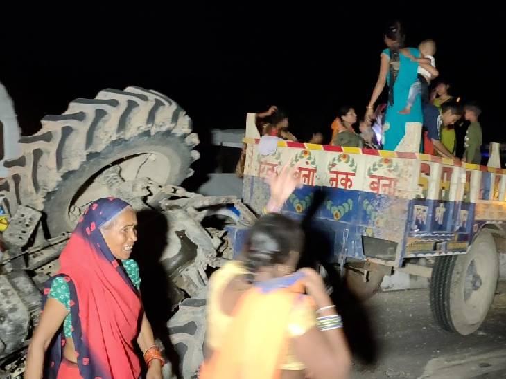 चित्रकूट में कामतानाथ के दर्शन को जा रहे थे, तेज रफ्तार ट्रक ने मारी टक्कर, गंभीर घायलों को कानुपर किया रेफर|हमीरपुर,Hamirpur - Dainik Bhaskar