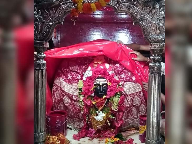 400साल पहले भक्त की पुकार पर प्रकट हुई थीं मां, माता के दर्शन के बाद भक्त रहषू के मंदिर भी जाना जरूरी मानते हैं श्रद्धालु|बिहार,Bihar - Dainik Bhaskar