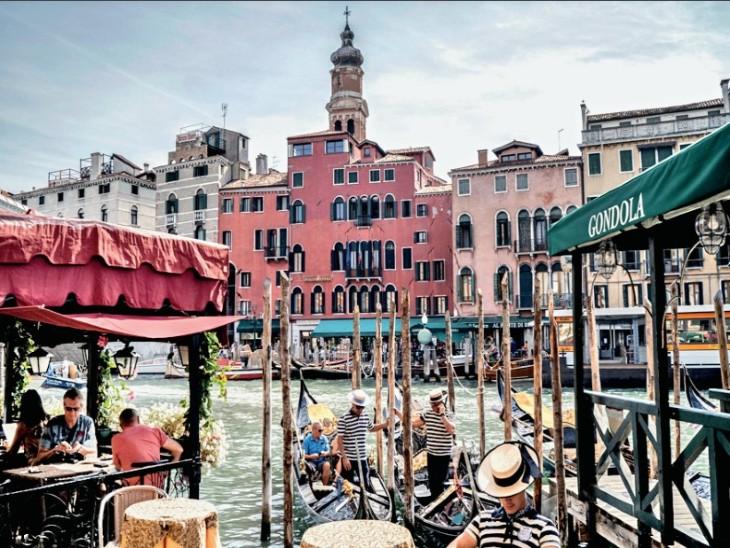 वेनिस में पर्यटकों पर मोबाइल डेटा से रखी जाएगी नजर, भीड़ बढ़ी तो पर्यटन स्थल पर नहीं मिलेगी एंट्री|विदेश,International - Dainik Bhaskar