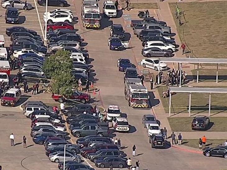 टेक्सॉस के हाईस्कूल में फायरिंग, 2 स्टूडेंट्स का झगड़ा बना गोलीबारी की वजह; 3 स्टूडेंट्स और एक टीचर घायल|विदेश,International - Dainik Bhaskar