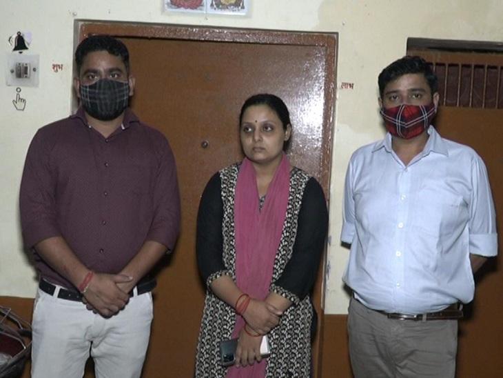 एसआईटी पिछले 8 घंटे से दर्ज करा रही है बयान, मनीष के दोनो दोस्तो और पत्नी के दर्ज हुई बयान, दोनों दोस्त गोरखपुर जाने से रहे है डर, पुलिस कमिश्नर ने सुरक्षा देने का किया वादा|कानपुर,Kanpur - Dainik Bhaskar