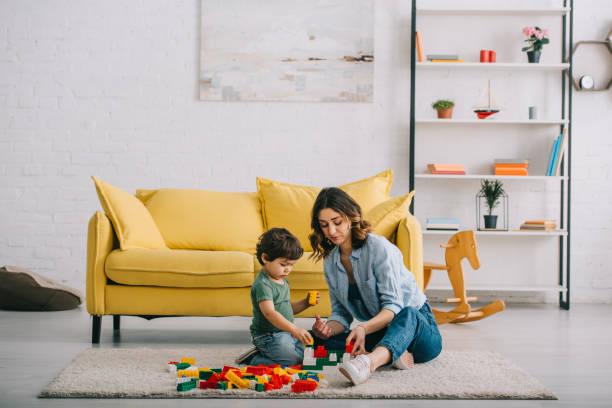 बचपन में मां का साथ जरूरी