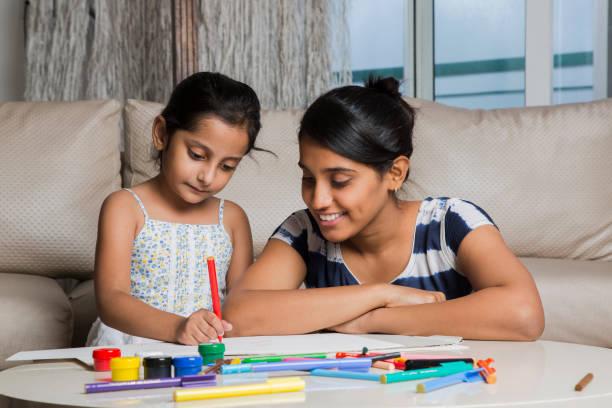 बच्चों को होमवर्क कराने में हर सप्ताह 7 घंटे से अधिक समय
