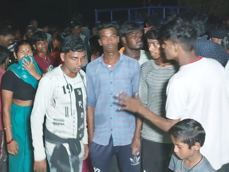 घर से बिहार शरीफ जा रहा था संदीप, अज्ञात वाहन ने मारी ठोकर; बाइक पर सवार अन्य दो लोग भी जख्मी बिहार,Bihar - Dainik Bhaskar