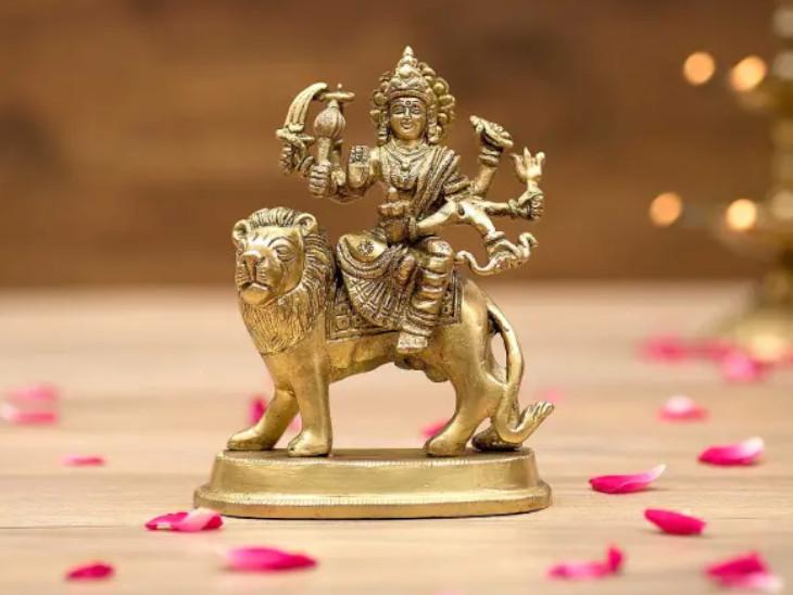 60 साल बाद मकर राशि में गुरु-शनि के योग में मनाई जाएगी नवरात्रि, देवी दुर्गा को किस दिन क्या भोग लगाएं धर्म,Dharm - Dainik Bhaskar