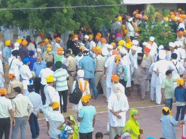 ग्वालियर में शिवराज का विरोध, दाता बंदीछोड़ गुरुद्वारा पहुंचे तो सिंघु बॉर्डर से आए सिखों ने नाराजगी जताई मध्य प्रदेश,Madhya Pradesh - Dainik Bhaskar