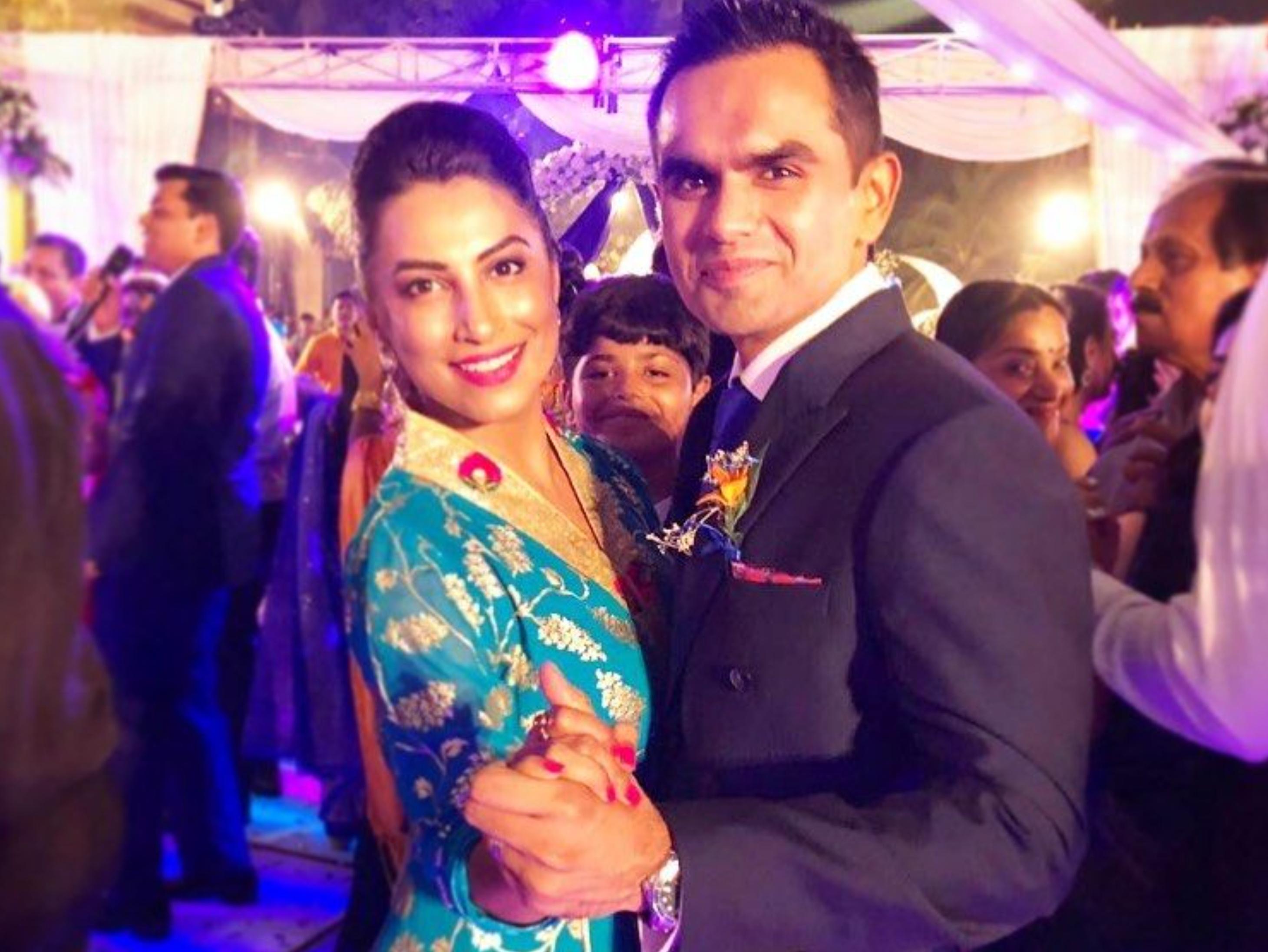 कभी IPL में स्पॉट फिक्सिंग में जुड़ा था नाम, अब समीर वानखेड़े की पत्नी बोलीं- पहले आंकड़ों कीस्टडीकरें और फिर कमेंटकरें बॉलीवुड,Bollywood - Dainik Bhaskar