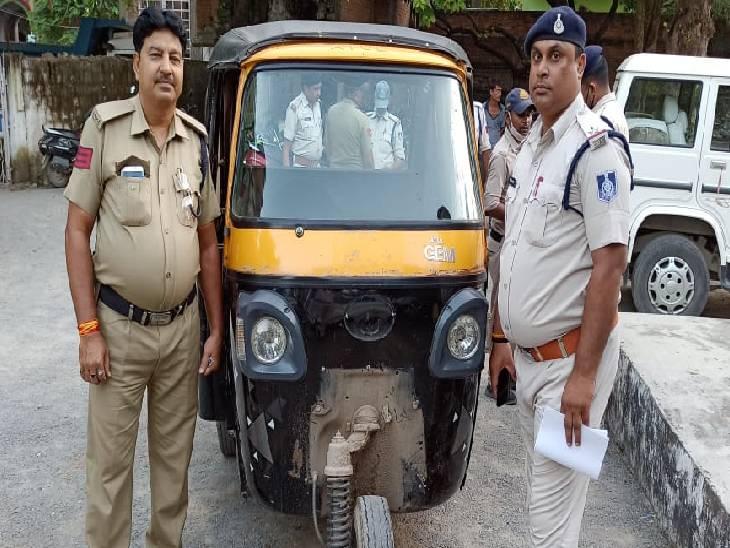 रीवा पुलिस को सूचना देने वाले युवक पर चाकू से हमला, 24 घंटे के भीतर चोरी की ऑटो के साथ आरोपी गिरफ्तार|रीवा,Rewa - Dainik Bhaskar