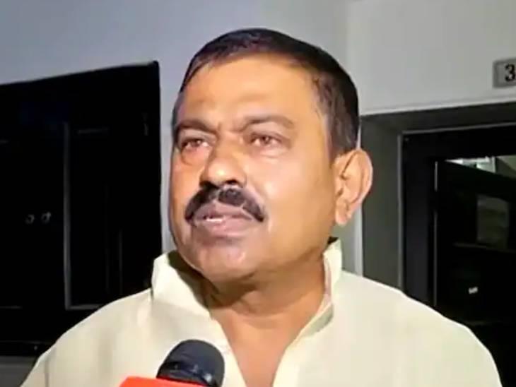 केंद्रीय मंत्री अजय मिश्र ने फिर दोहराया कि उनका बेटा अजय गाड़ी में नहीं था।