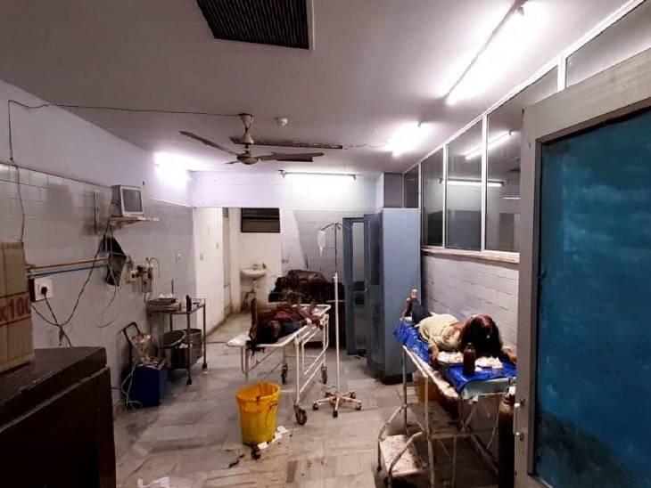 रीवा शहर में पुरानी रंजिश को लेकर दो परिवारों के बीच चले लठ, 8 पुरुष व महिलाएं घायल, SGNH में प्राथमिक उपचार कराकर भेजा घर|रीवा,Rewa - Dainik Bhaskar