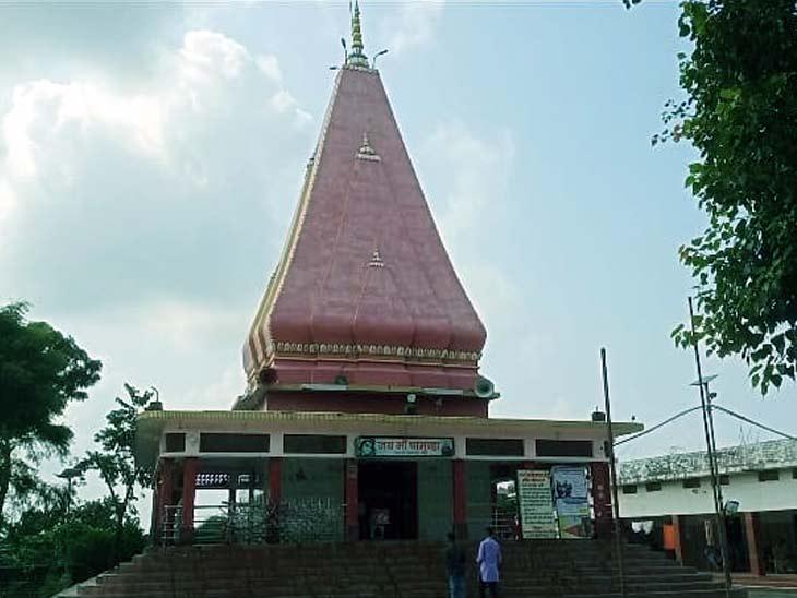 मंदिर के कपाट रोजाना ही दोपहर 12 बजे से एक घंटे के लिए बंद किया जाता है।