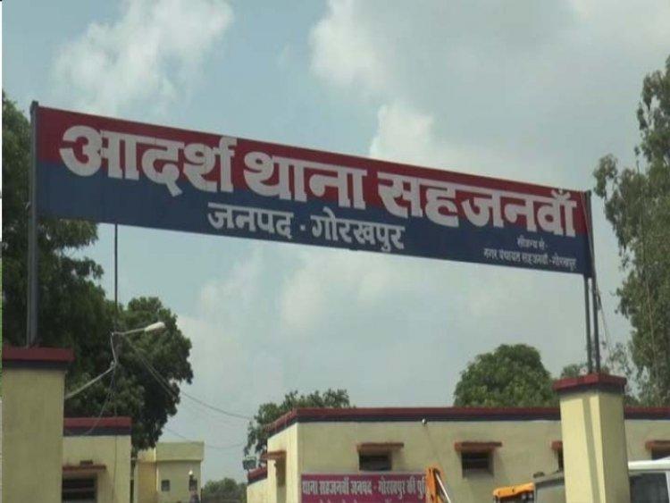 युवती बोली- पड़ोसी ने मेरे कपड़े फाड़े और पीटकर गड्ढे में फेंका, दस माह पहले तय कराई थी शादी गोरखपुर,Gorakhpur - Dainik Bhaskar