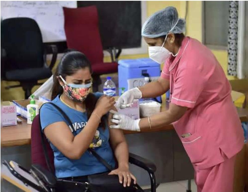 जिले में तेजी से हो रहा वैक्सीनेशन, अब तक 15 लाख से ज्यादा लोगों को लगा पहला डोज, 3 लाख 80 हजार लोगों ने लगवाया दूसरा डोज|छिंदवाड़ा,Chhindwara - Dainik Bhaskar