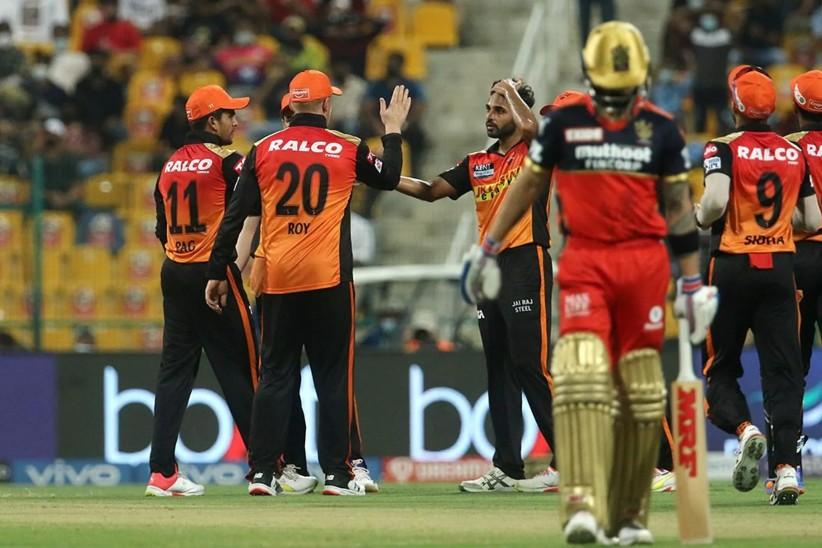 भुवनेश्वर कुमार ने IPL में विराट कोहली को तीसरी बार आउट किया
