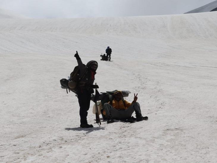 160 किलोमीटर के पिन दर्रे को सबसे कम समय में किया फतेह, समुद्र तल से है 5319 मीटर की ऊंचाई|कुल्लू,Kullu - Dainik Bhaskar