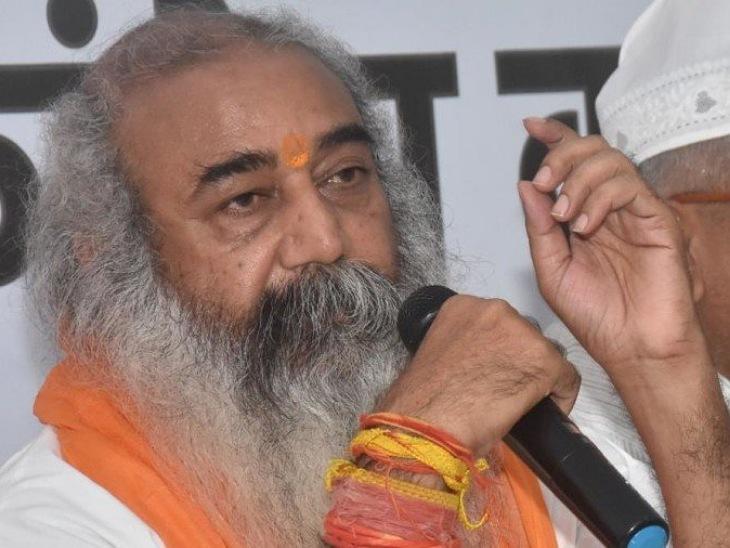 हिरासत में लेने के बाद कहा- ये डेमोक्रेसी का मर्डर, किसानों के आंसू पोंछने CM खुद तो गए नहीं हमें भी नहीं जाने दे रहे|मुरादाबाद,Moradabad - Dainik Bhaskar