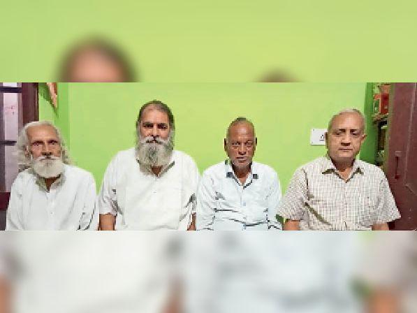 बैठक में भाग लेते श्री सनातन धर्म महावीर दल के प्रतिनिधि। - Dainik Bhaskar