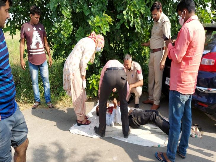 मौके पर जांच करती पुलिस व एफएसएल टीम।