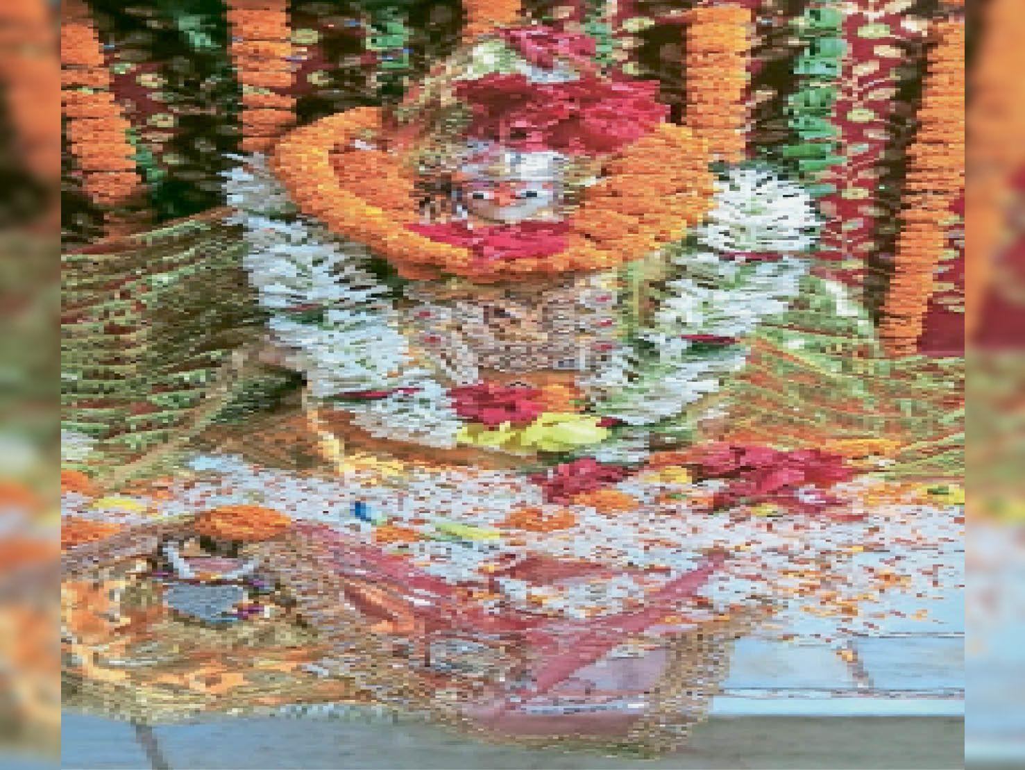 श्री सप्तमातर महादेवी की सजावट। - Dainik Bhaskar