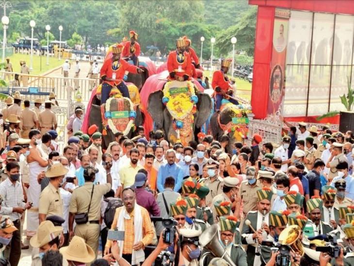100 किमी सड़कें होंगी रोशन, 800 किलो वजनी सोने का हौदा ले जाएगा अभिमन्यु, चामुंडेश्वरी देवी के मंदिर में स्थापित होगा|देश,National - Dainik Bhaskar