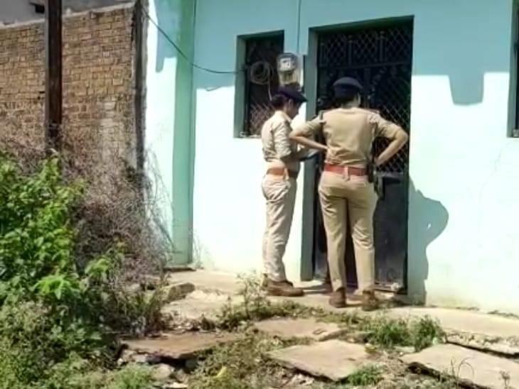 पुलिस ने दबिश देकर 4 महिलाओं को किया गिरफ्तार - Dainik Bhaskar