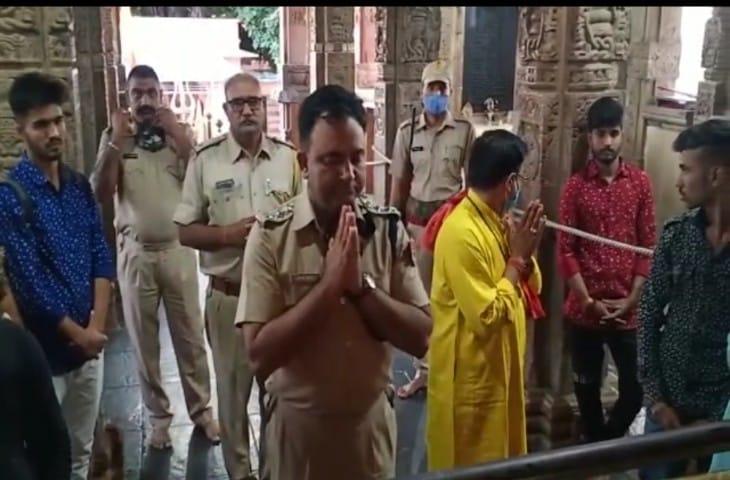 मौका जायजा लेने के लिए पुलिस उप अधीक्षक मनीष शर्मा भी मंदिर पहुंचे।