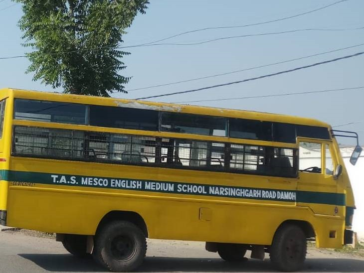 साल भर से बंद पड़ी बसों को मरम्मत की जरुरत - Dainik Bhaskar