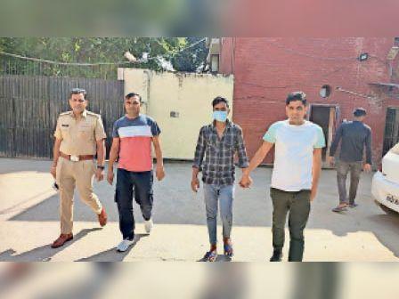 यमुनानगर| सूर्या हत्याकांड में गिरफ्तार आरोपी को लेकर आती पुलिस। - Dainik Bhaskar