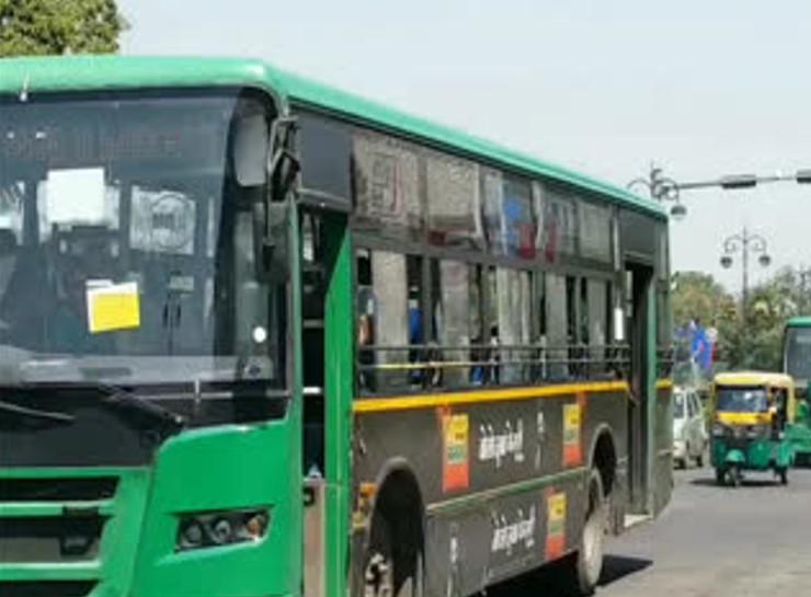 जयपुर में चलने वाली जेसीटीसीएल बस के परिचालक ने गड़बड़ी करते हुए करीब 55 हजार रुपए का गबन कर लिया - Dainik Bhaskar