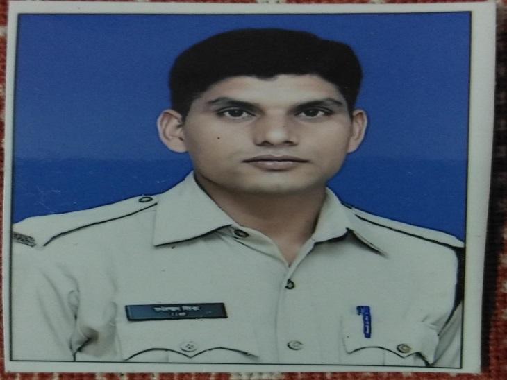 भिलाई में ड्यूटी से घर लौट रहे कांस्टेबल की बाइक को तेज रफ्तार बुलेट ने मारी टक्कर; बुलेट सवार भी गंभीर रूप से घायल|भिलाई,Bhilai - Dainik Bhaskar