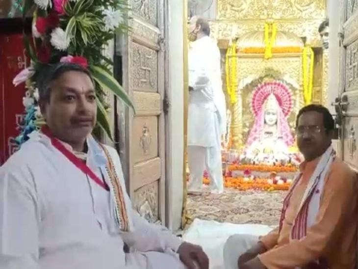 मनसा देवी मंदिर में ट्राईसिटी समेत अन्य राज्यों से श्रद्धालु दर्शन करने आते हैं।