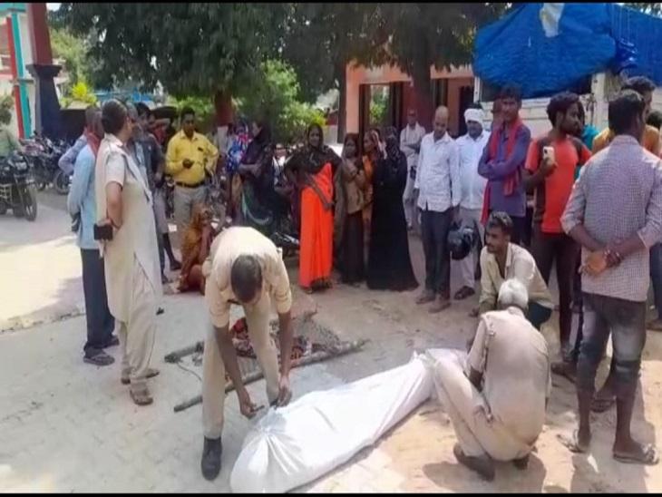 आजमगढ़ जिले के जीयनपुर कोतवाली क्षेत्र में विवाहिता ने फांसी लगाकर दी जान, शव को सील करती पुलिस। - Dainik Bhaskar