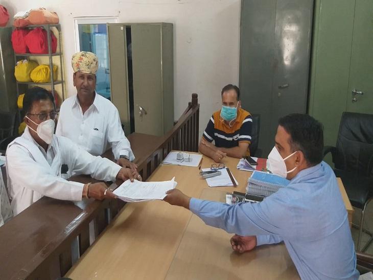 उपचुनाव में वल्लभनगर में कांग्रेस के देवेंद्र शक्तावत बना सकते हैं अपनी अलग पार्टी, धरियावद में कन्हैया समर्थकों ने भाजपा से खेत सिंह को टिकट देने का किया विरोध उदयपुर,Udaipur - Dainik Bhaskar