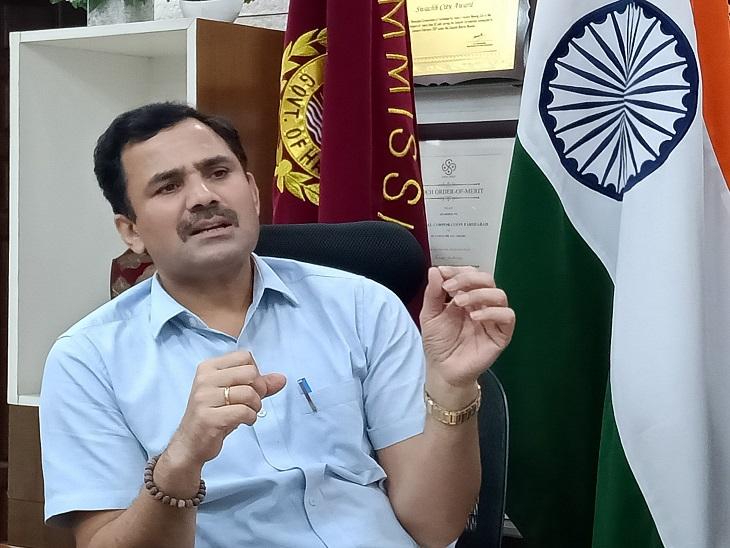 निगम अधिकारियों के साथ बैठक कर दिए निर्देश। - Dainik Bhaskar