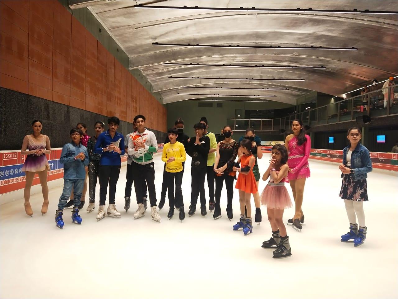 एंबियंस मॉल में खेली गई तीन दिवसीय ओपन नेशनल फिगर स्केटिंग चैम्पियनशिप-2021 - Dainik Bhaskar