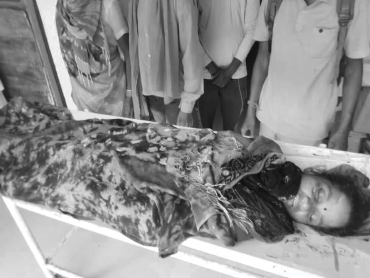 हादसे में महिला मजदूर की मौत, 12 घायल, बिना रेलिंग का है ये पुल; कुंडम से कजरवारा जा रहे थे मजदूरी करने|जबलपुर,Jabalpur - Dainik Bhaskar