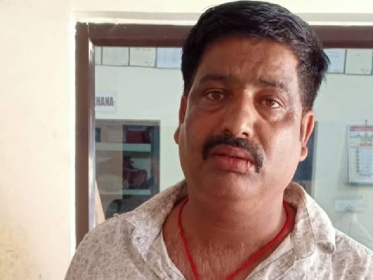 वह ठेकेदार, जिसकी कार से चोरी हुए 50 हजार रुपए। - Dainik Bhaskar