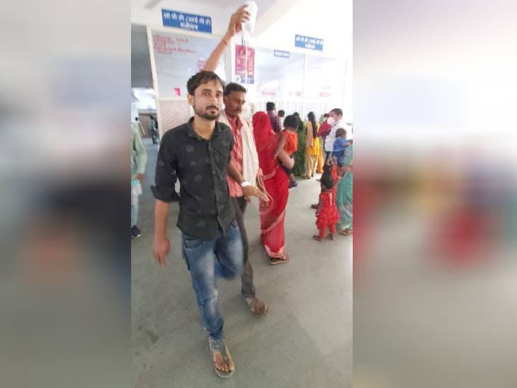 सांप के डंसने से महिला की मौत, एक युवक और महिला अस्पताल में भर्ती|छतरपुर (मध्य प्रदेश),Chhatarpur (MP) - Dainik Bhaskar