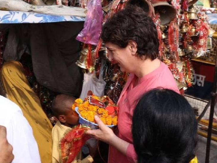 मरी माता मंदिर में दर्शन के लिए पहुंचीं प्रियंका