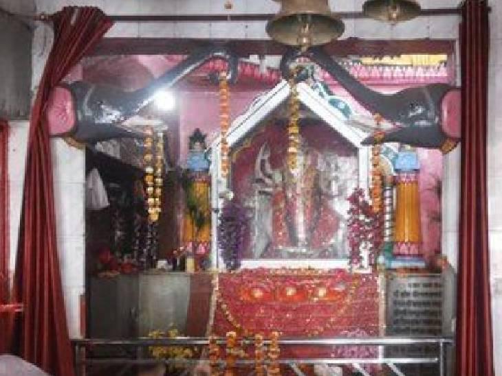 महाभारत काल में अर्जुन ने की थी मंदिर की स्थापना, पांडवों ने यहीं पर काटा था अज्ञातवास|महराजगंज,Maharajganj - Dainik Bhaskar