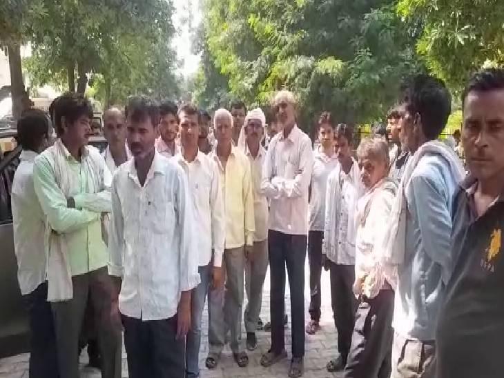 1 युवक हुआ गंभीर रूप से घायल, ट्रक ने ऑटो पर मार दी थी टक्कर|मैनपुरी,Mainpuri - Dainik Bhaskar