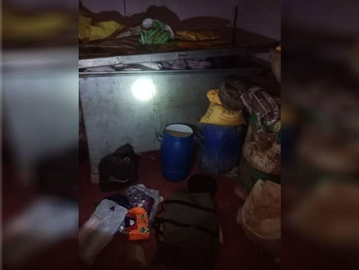 रीवा जिले में दो जगहों पर चोरों ने लगाई सेंध, पहले घर में कैश सहित 80 हजार की ज्वेलरी पार, दूसरे मकान में प्रयास असफल|रीवा,Rewa - Dainik Bhaskar