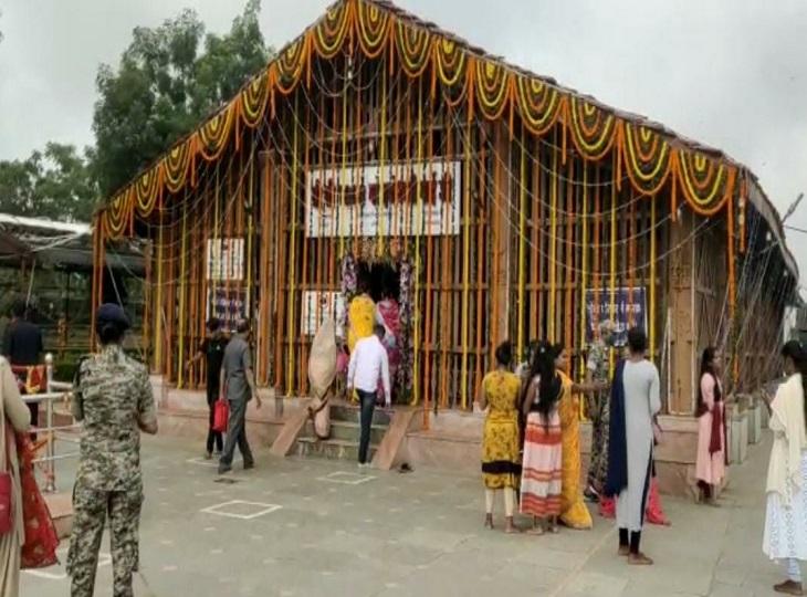 एक दिन में ही प्रशासन व मंदिर समिति ने की तैयारी।