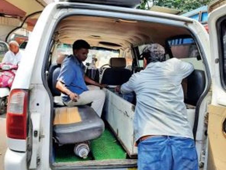 1000 किमी दूर घर पर अंतिम संस्कार के लिए नहीं थे पैसे, साेशल मीडिया पर मदद मांगी ताे 1 घंटे में जुटाए 25 हजार|भोपाल,Bhopal - Dainik Bhaskar