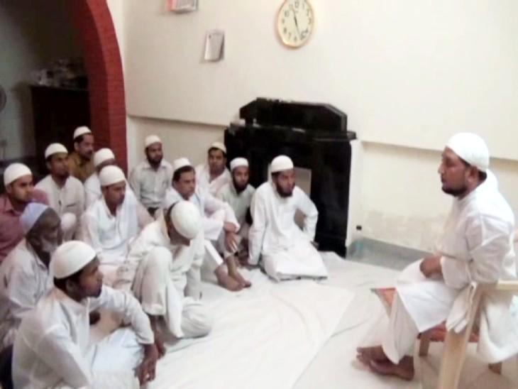 कानपुर मंडलायुक्त रहने के दौरान आईएएस इफ्तिखारुद्दीन ऑफिस में ही कराते थे तकरीरें।