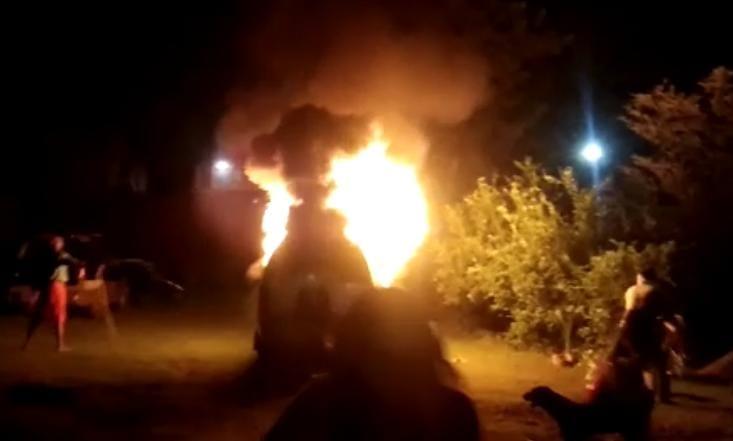 आगरा में 3 दिन पहले भाजपा नेता की कार को जलाया था, आरोपी के खिलाफ नेता ने दहेज उत्पीड़न का केस दर्ज करने में की थी मदद|आगरा,Agra - Dainik Bhaskar